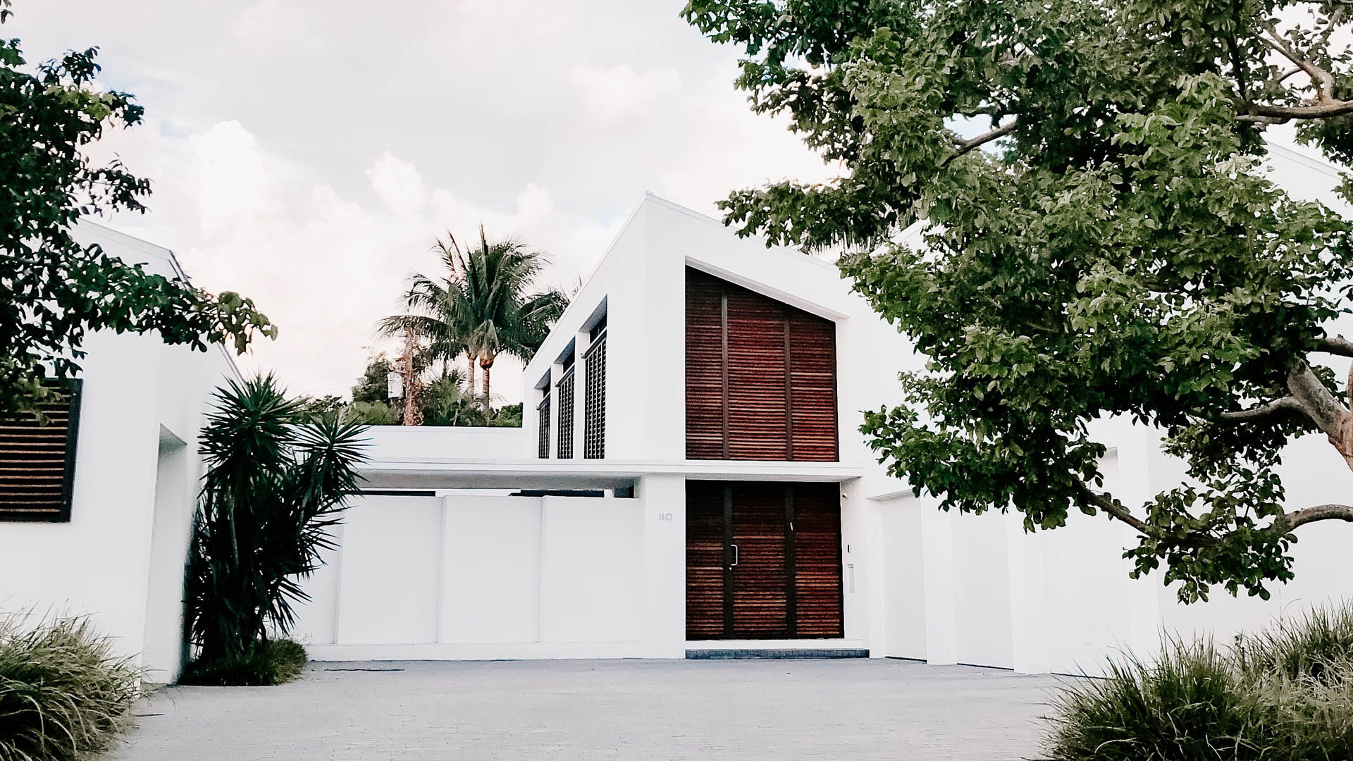 An image of a modern Florida House representing the Homestead Laws in Florida.